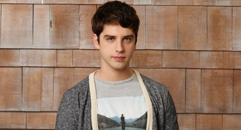 David Lambert Bio, Relationship With Maia Mitchell, Girlfriend, Siblings