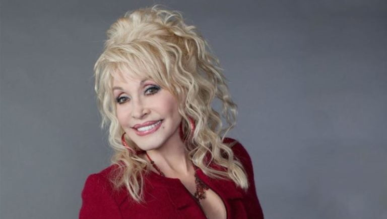 Dolly Parton Body Shape, Tattoos, Biography, Wiki, Plastic Surgery
