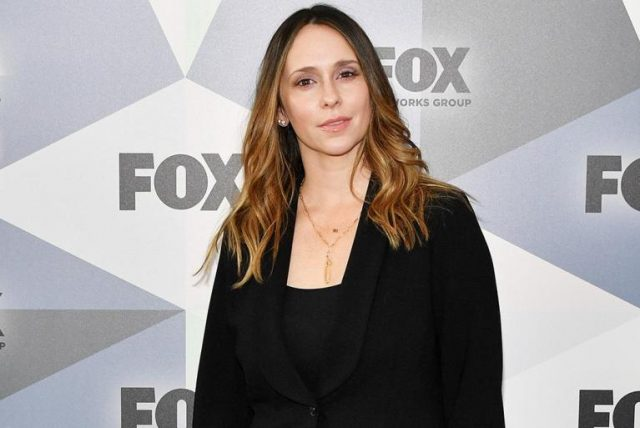 Fun Facts About Jennifer Love Hewitt's Career-Highs, Decline in Acting Roles and Family