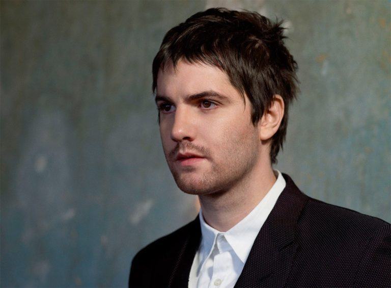 Jim Sturgess Wife, Relationship with Bae Doona, Girlfriend, Age, Height