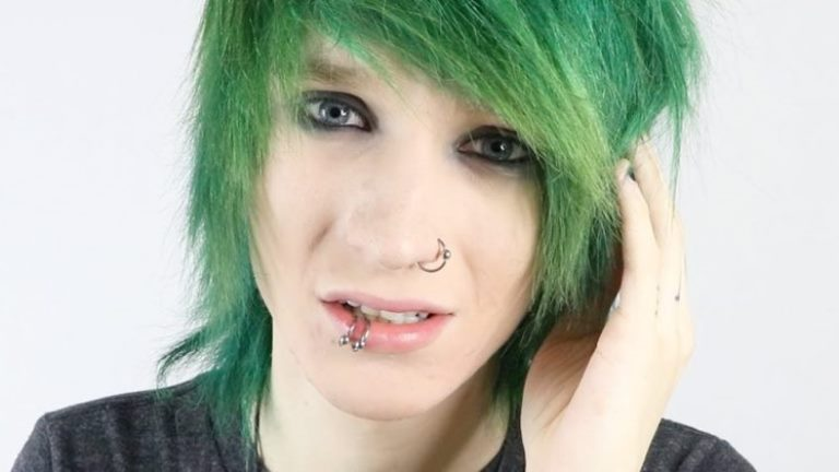 Johnnie Guilbert Age, Height, Wiki, Dating, Girlfriend, Family