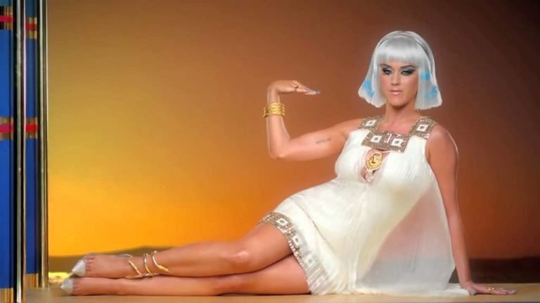 Catch Up On Katy Perry's Feet, Shoe Size And Shoe Collection