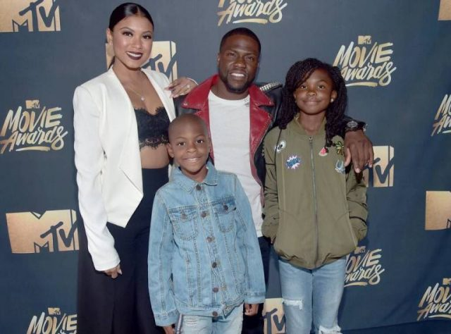 Details About Kevin Hart's Family, Parents And Brother