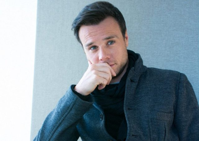 Rupert Evans Married, Wife, Gay, Dating, Girlfriend, Body, Family