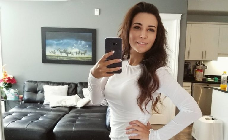 Who is Alinity Divine, Why is She Famous on Twitch, Reddit, Instagram, Twitter