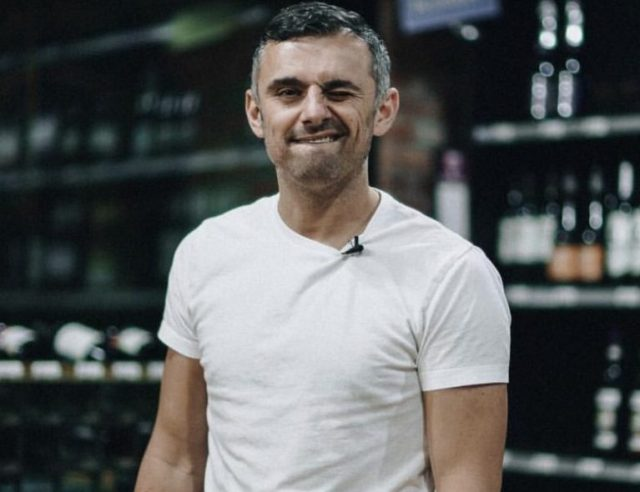 Gary Vaynerchuk Wife, Kids, Family, Net Worth, House, Height, Bio