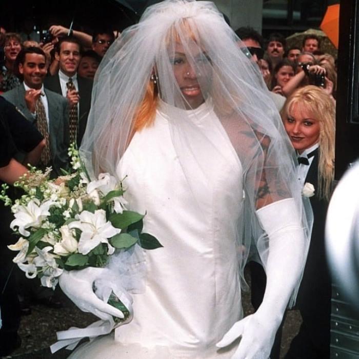Dennis Rodman Net Worth, Wedding Dress, Stats, Height, Wife, Gay or Straight