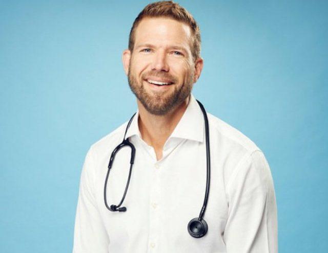 Dr Travis Stork Married, Wife, Divorce, Dating, Girlfriend, Height, Bio