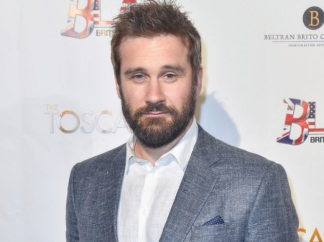Clive Standen Bio, Height, Body Stats, Wife, Family, Children