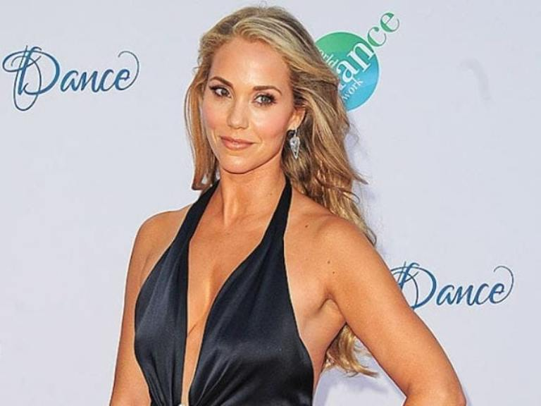 Elizabeth Berkley Bio, Net Worth And Other Interesting Facts You Must Know