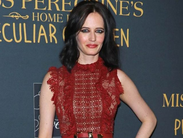 Eva Green Wiki, Twin Sister, Boyfriend, Age, Height, Body Measurement, Is She Married