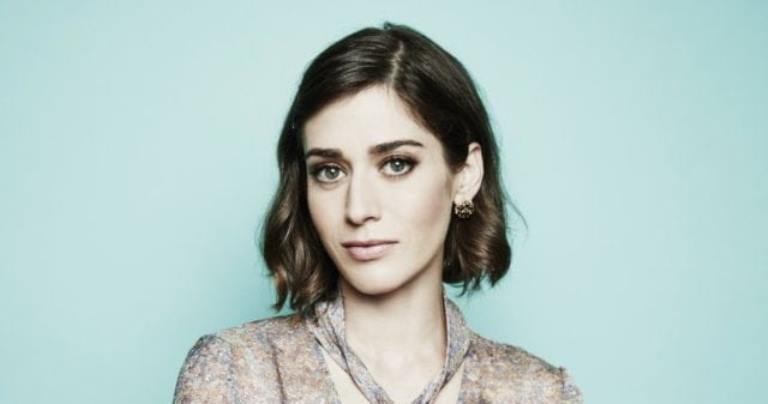 Lizzy Caplan Biography, Movies, TV Shows and Her Weight Loss Journey