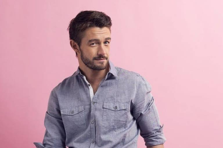 Robert Buckley – Bio, Wife, Dating, Girlfriend, Height, Is He Gay?