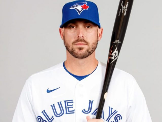 Travis Shaw Bio, Wife, Daughter, Family, Salary, MLB Career