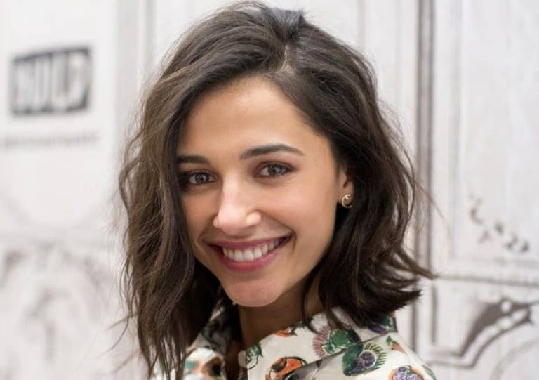 Naomi Scott – Bio, Age, Husband, Parents, Ethnicity, Height, Measurements